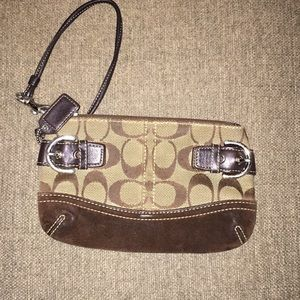 COACH | Brown & Tan | Signature C Wristlet
